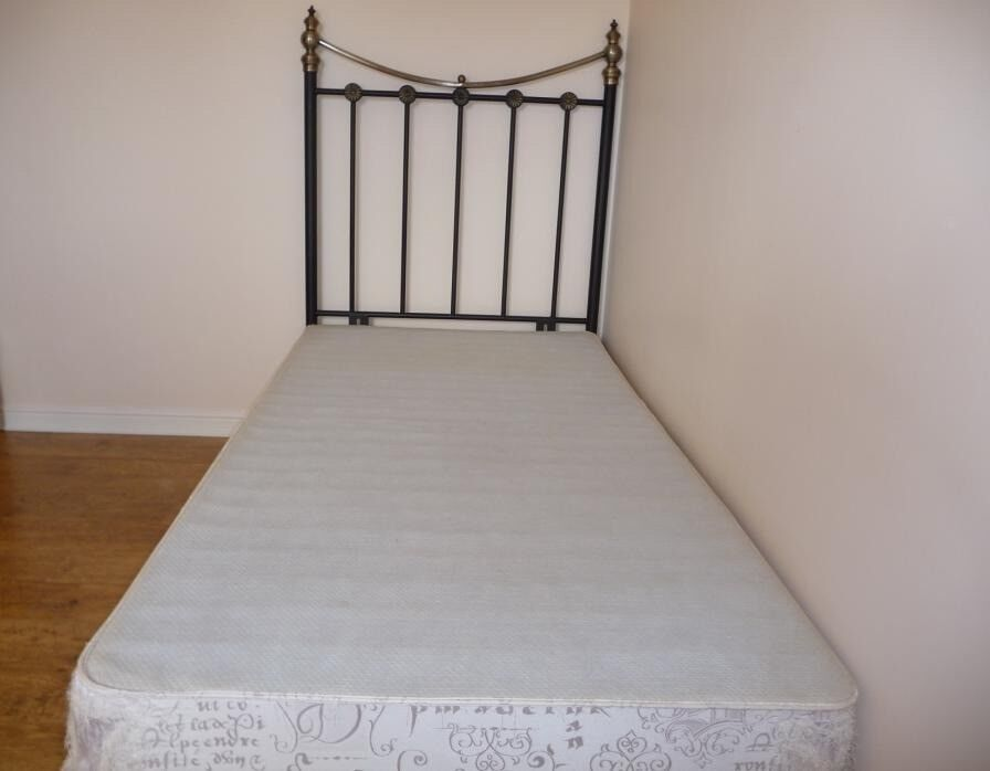 FREE Single Bed 90x190 with Two Storage Drawers Metal Headboard Wooden Frame Good Condition
