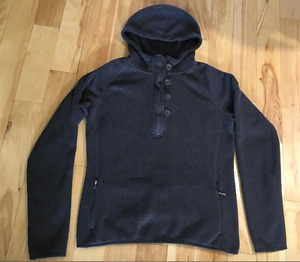 The North Face Women's grey Hoodie Sweater XL Fits like a Large