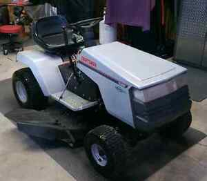 Ride on lawn mower  SOLD PENDING PICKUP