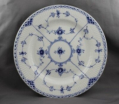 Royal Copenhagen Blue Fluted Half Lace #571 Dinner Plate 1st Quality (A)