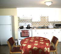 ● Available January 1 - Downtown Hull - Only one roomie $450 ●