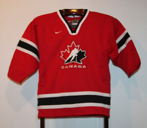 NIKE 2002 TEAM CANADA ROAD RED HOCKEY JERSEY SIZE YOUTH 6X