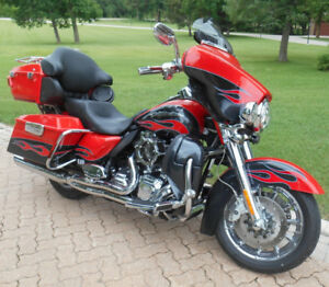 2010 Ultra Classic Electra Glide New S & S 124 Engine