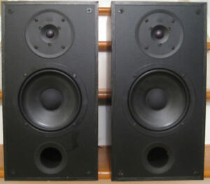 PSB 400 2 Way Bookshelf Speaker Pair Good Condition