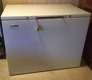 Vintage Deep Freezer in Great Condition