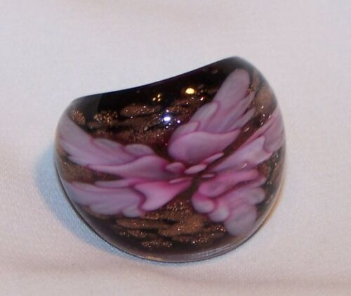 Vintage Lucite FLOWER Ring -PURPLE PINKISH LAVENDER SPARKLES-SIZE 8 1/2