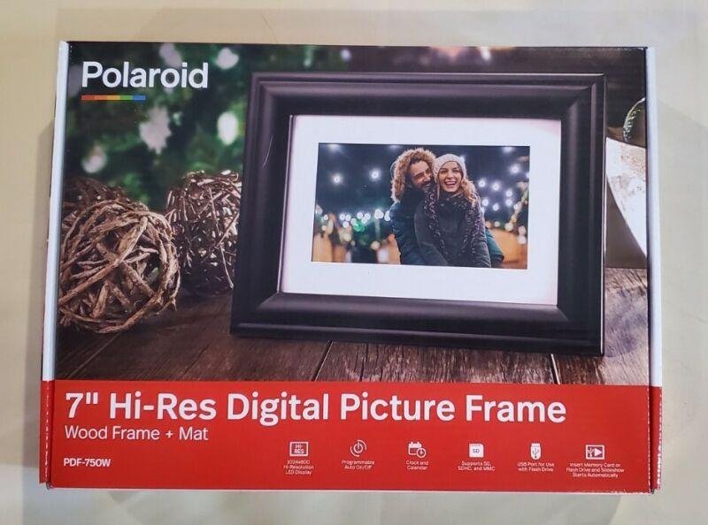 "Polaroid 7"" Digital Picture Frame, Wood Frame + Mat, PDF-750W, Brand New!"
