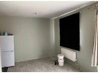 Lovely Ground Floor Studio Flat to Rent in Rochford's Gardens, Slough SL2