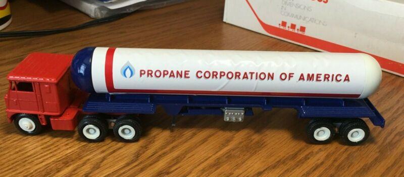 Winross White 7000 Propane Corporation of America Tractor/Tanker Trailer 1/64
