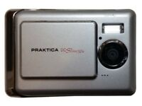 Silver PRAKTICA DC Slim 524 Digital Camera Silver 5 MP Pixel + Cable