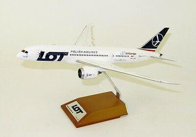 Jc Wings Jc2004 1/200 Muchos Aire Europa Boeing 787-8 Sp-Lrf