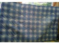 Double mattresse