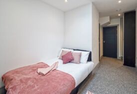 Ensuite double room including bills for single occupancy or couples welcomr