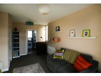 SHORT TERM LET: (Ref: 846) Canongate, 1 bedroom on the Royal Mile, perfect city centre location