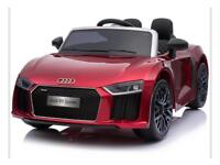 ALMOST NEW LICENSED AUDI R8 12V CHILDREN'S RIDE ON ELECTRIC TOY CAR HARDLY USED