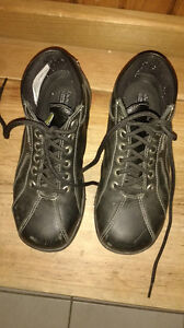 Canadian Made -Women's Work/Safety Shoes Size US 5