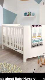 Mamas and Papas Ivory cot bed