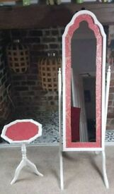 Free standing mirror and matching table
