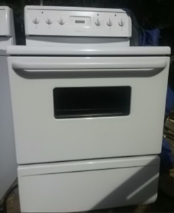 stove for sale Fridgedaire deliver possible located in Golden