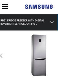 Samsung RB31FERNDSS_SS Fridge Freezer in Stainless Steel