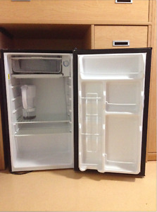 Mini fridge for sale in great condition