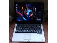 "Fujitsu t5010 dual core webcam, windows7 laptop/tablet 13.3"" screen"