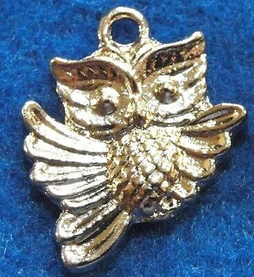 50Pcs. WHOLESALE Tibetan Silver OWL Bird  Charms Pendants Earring Drops Q1095