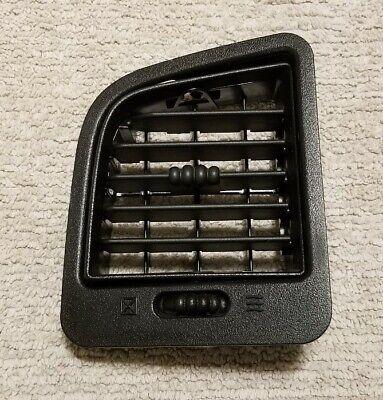 2000-2006 Chevrolet Silverado Suburban Tahoe Driver Dash AC Heater Vent OEM