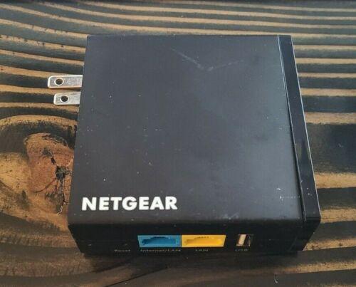 NETGEAR Trek N300 PR2000 Travel Router and Range Extender.
