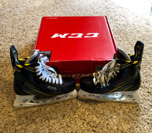 CCM SUPER TACKS SIZE 7D - NEARLY NEW