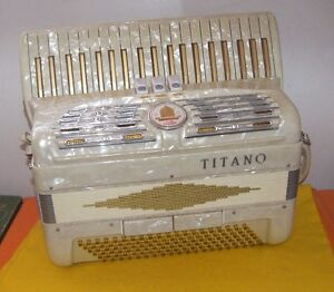 Titano Ladies 120 Bass Accordion / Accordian With Case
