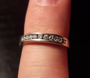 Wedding ring with matching band and mans wedding patterned band. Peterborough Peterborough Area image 4