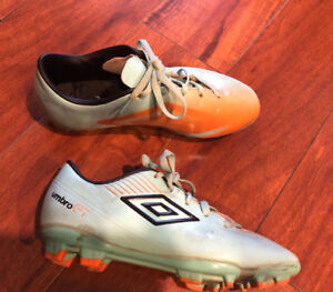 Girls Umbro soccer Cleats, size 2
