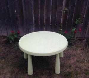 Ikea MAMMUT, Children's table, indoor/outdoor green