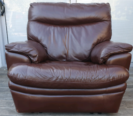DELIVERY INCLUDED genuine brown leather manual recliner armchair