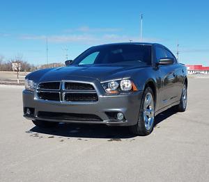 2011 Dodge Charger SXT ***Plus***