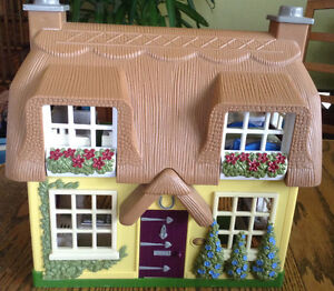STEP 2 DOLLHOUSE WHIT SOUNDS MUSIC WHITH BUILT IN FURNITURE Gatineau Ottawa / Gatineau Area image 1