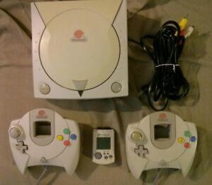 Sega Dreamcast with 2 Controllers & VMU