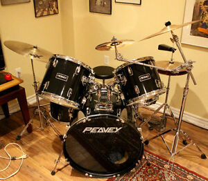 Peavey International Series Drum Set (for sale in Mississauga)