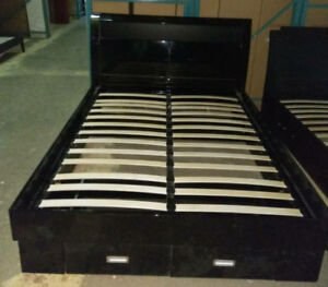 Black Queen size bed CLEARANCE FOR NEW YEAR!$450ONLY