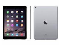 Apple iPad Air 2 16GB Space Grey + Logitech Bluetooth keyboard