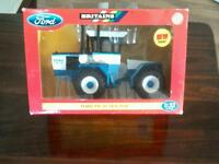 A FORD FW_30 TRACTOR SCALE 1.32 BOXED 2006