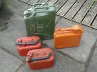 Petrol jerry cans vintage job lot