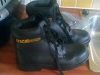 Apache steel toe safety boots never worn