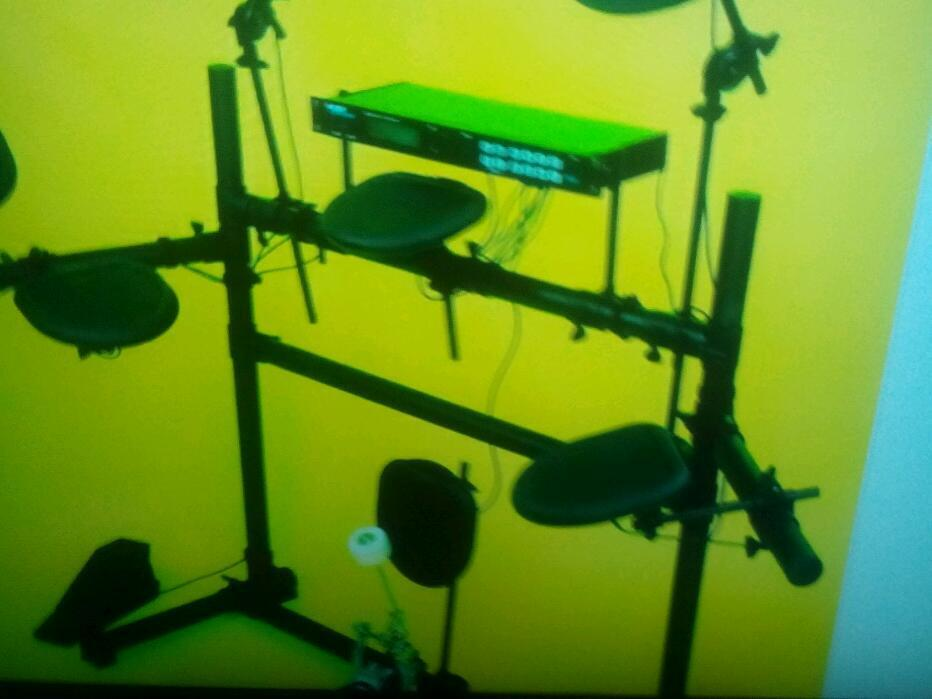 Alexis DM 5 electric drum kitin Shiremoor, Tyne and WearGumtree - Alexis DM 5 electric drum kit with drum sticks stool and earphones its only been used half dozen time excellent condition in original box reduced for quick sale