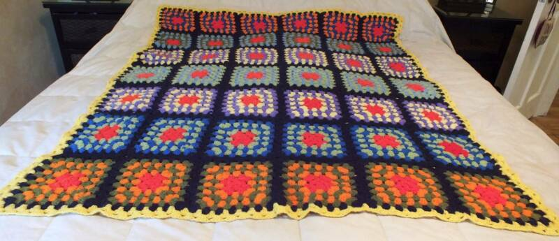 Vintage Retro Granny Square Afghan Throw Hand Made Crochet