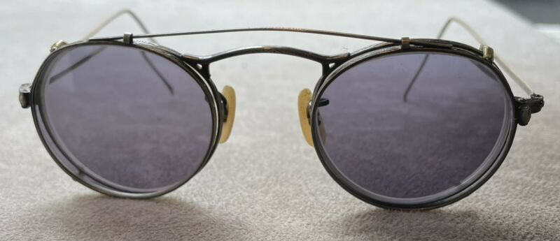 Vintage Oliver Peoples Eyeglasses With Clip On Sunglasses M4