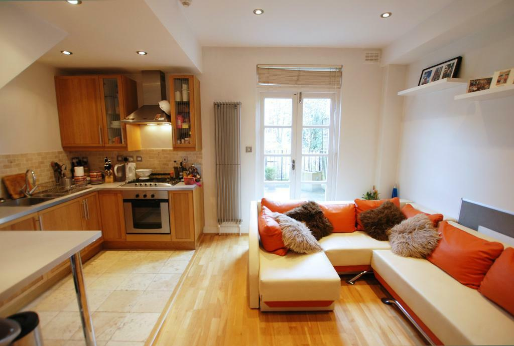 Medina Road, one bed flat with terrace located close to Seven Sisters Road in HOLLOWAY