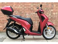 Honda SH 125 (17 REG), *NEW SHAPE*, *KEYLESS KEY* One owner, Only 400 Miles!