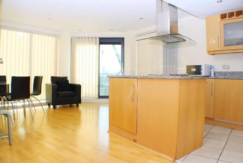 Modern two bed flat Canary Wharf